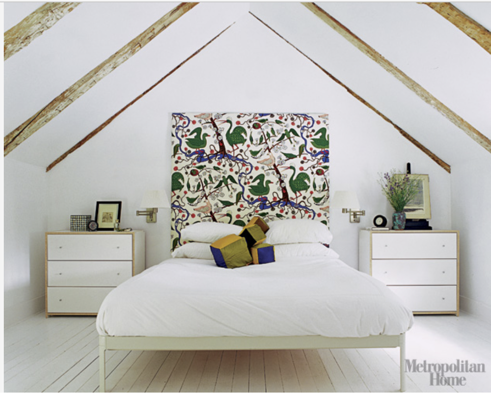 Again, natural wood keeps the space feeling warm. {Via  Elle Decor }