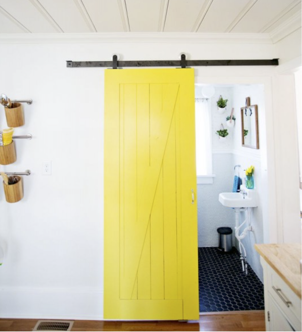 You know how much I love yellow.  {Via  Remodelaholic }