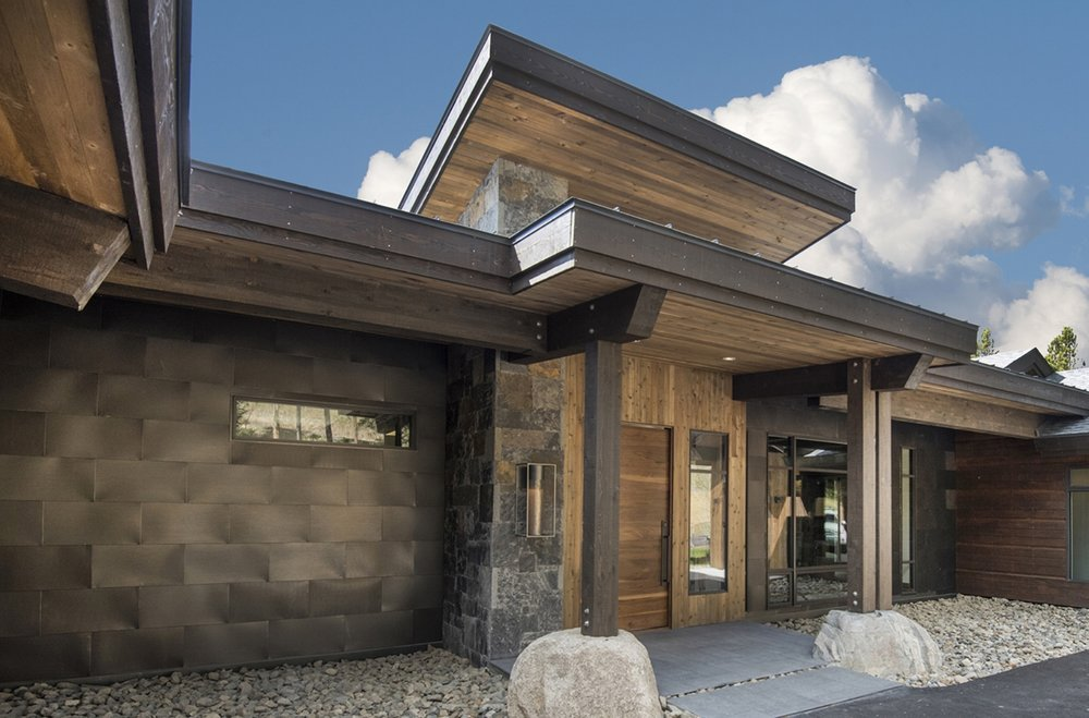BUILDERS OF AWARD-WINNING MOUNTAIN HOMES   Put our 30-plus years construction expertise to work for you.