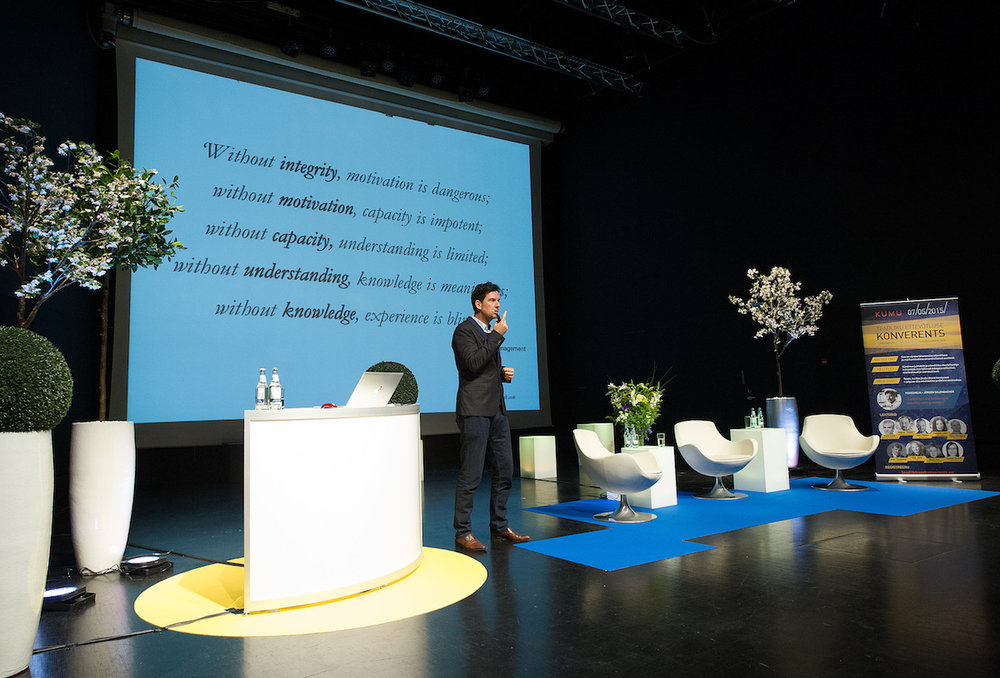 Keynote - Conscious Initiative Conference - Tallinn / Estland  2016 photo @Andreas Treial