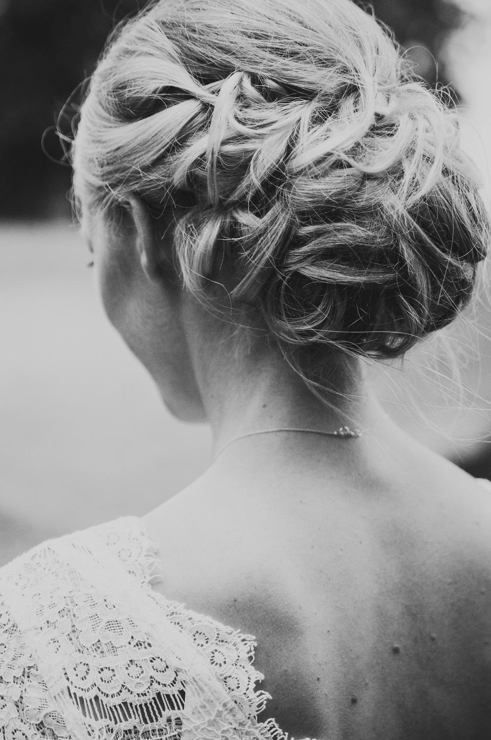 håruppsättning-brud-bröllopsfotografering-torup-bröllopsfotograf-skåne-aase-pouline.jpg