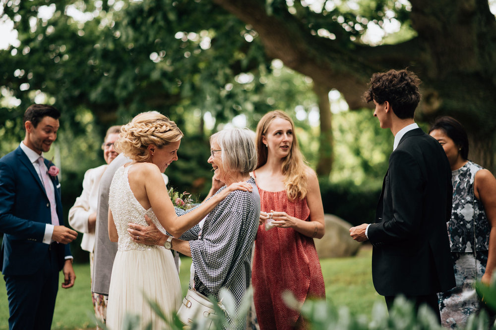 intimt-bröllop-mölle-kapell-rusthållaregården-arild-bröllopsfotograf-skåne-aase-pouline182.jpg
