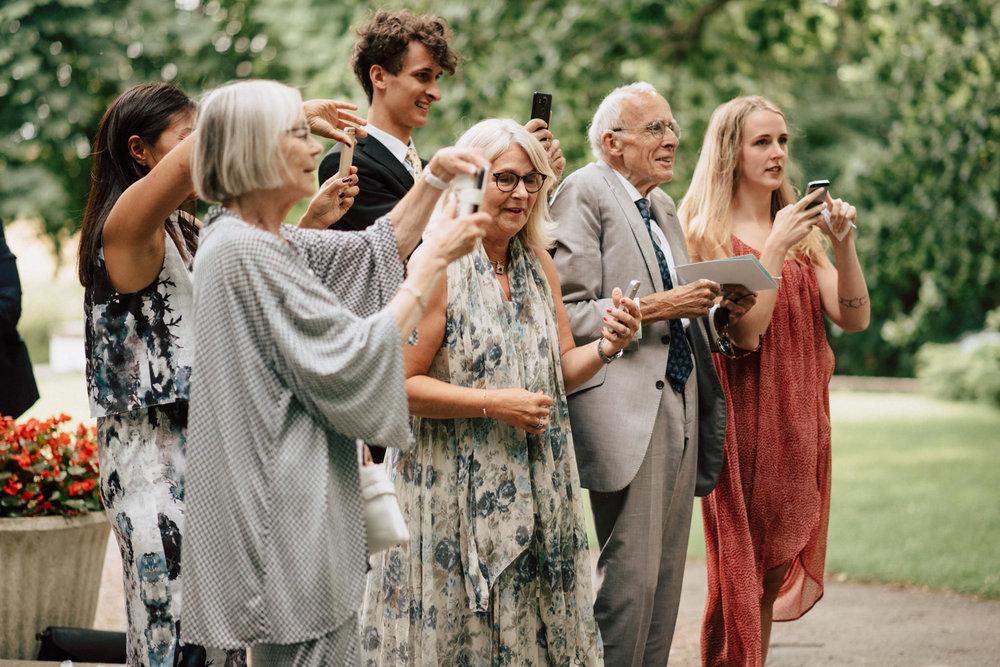 intimt-bröllop-mölle-kapell-rusthållaregården-arild-bröllopsfotograf-skåne-aase-pouline189.jpg