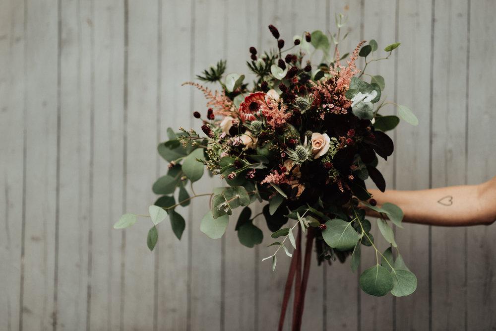 Yvig brudbukett med eucalyptus