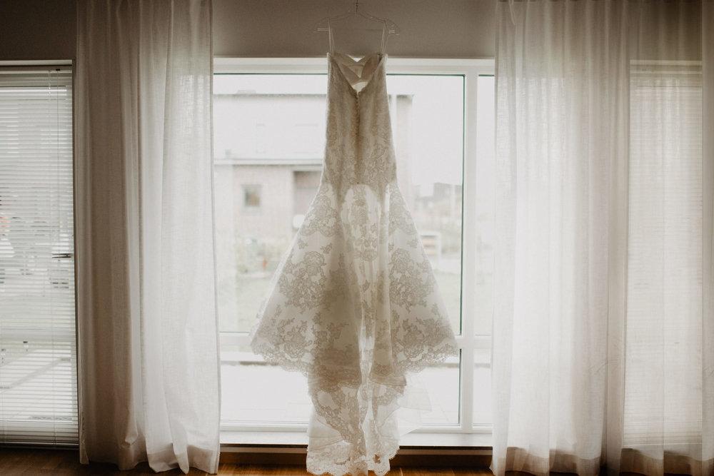 Brudklänning i Fönster