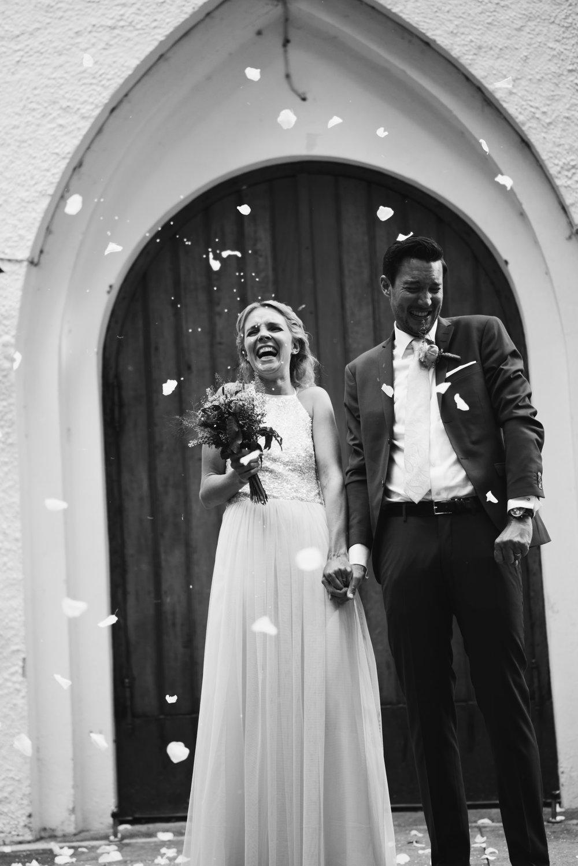 intimt-bröllop-mölle-kapell-rusthållaregården-arild-bröllopsfotograf-skåne-aase-pouline180.jpg