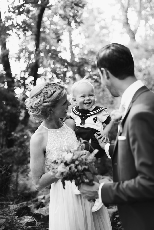 intimt-bröllop-mölle-kapell-rusthållaregården-arild-bröllopsfotograf-skåne-aase-pouline107.jpg