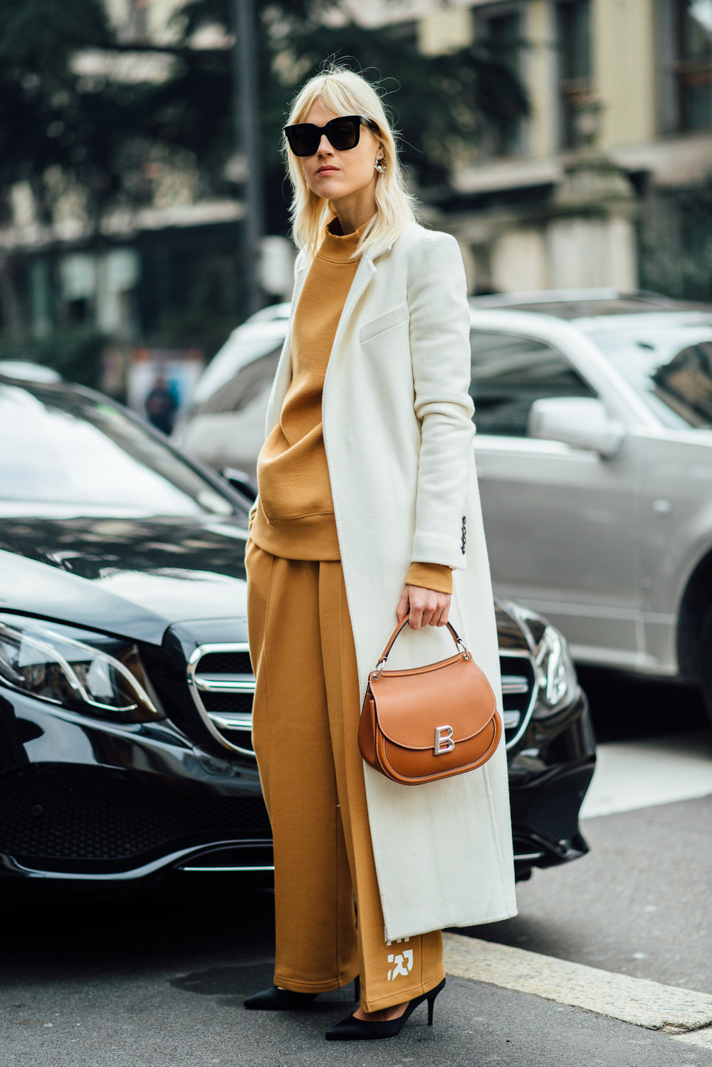 Linda_Tol_outside_MaxMara_LU.jpg