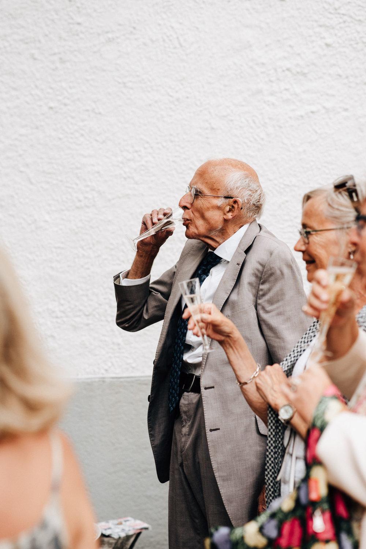 intimt-bröllop-mölle-kapell-rusthållaregården-arild-bröllopsfotograf-skåne-aase-pouline211.jpg