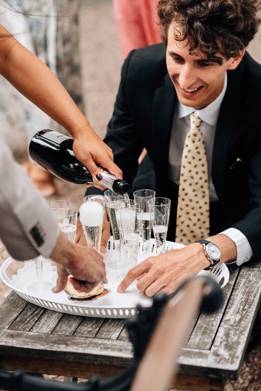 intimt-bröllop-mölle-kapell-rusthållaregården-arild-bröllopsfotograf-skåne-aase-pouline204.jpg