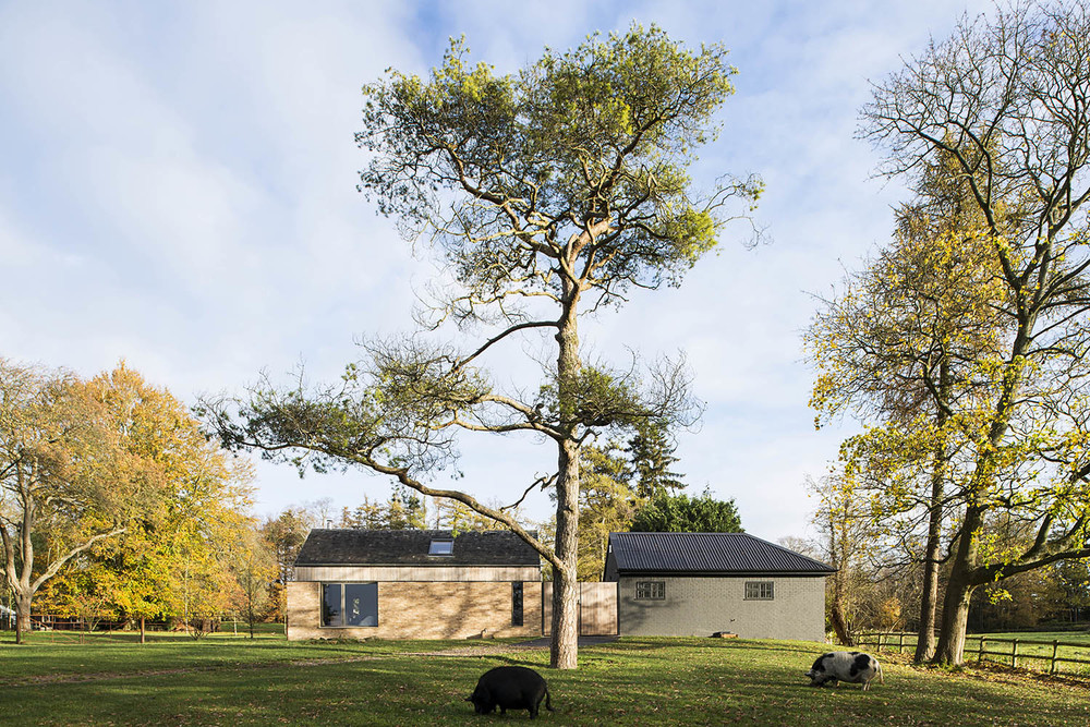 The Old Park + Stables / Mclean Quinlan