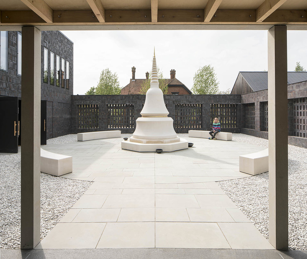 Vajrasana Buddhist Retreat / Walters & Cohen.