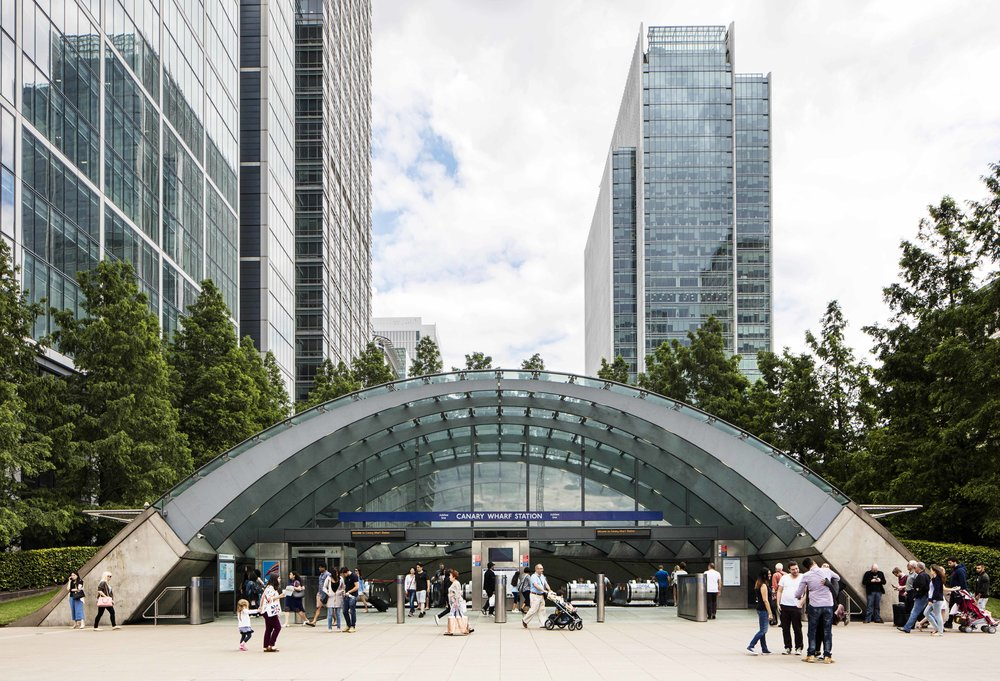 The Architecture of the Underground / Canary Wharf Station.