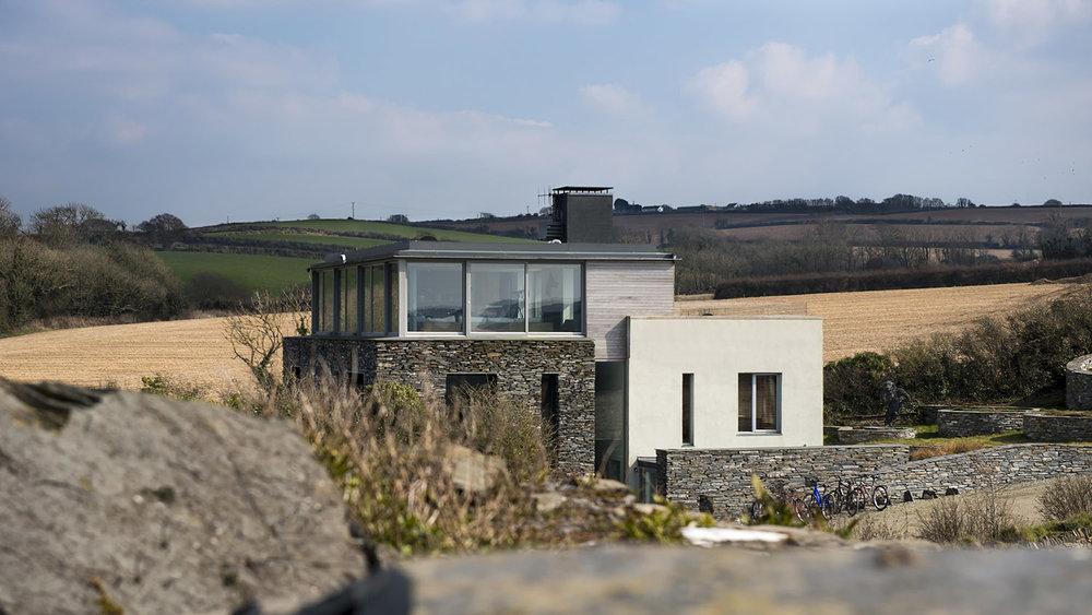 Camel Quarry House / Mclean Quinlan