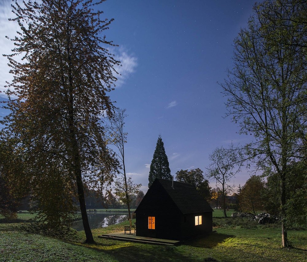 THE WOODLAND CABIN / DE ROSEE SA