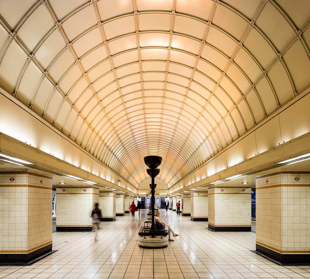 GANTS HILL STATION / ARCHITECTURE OF THE UNDERGROUND