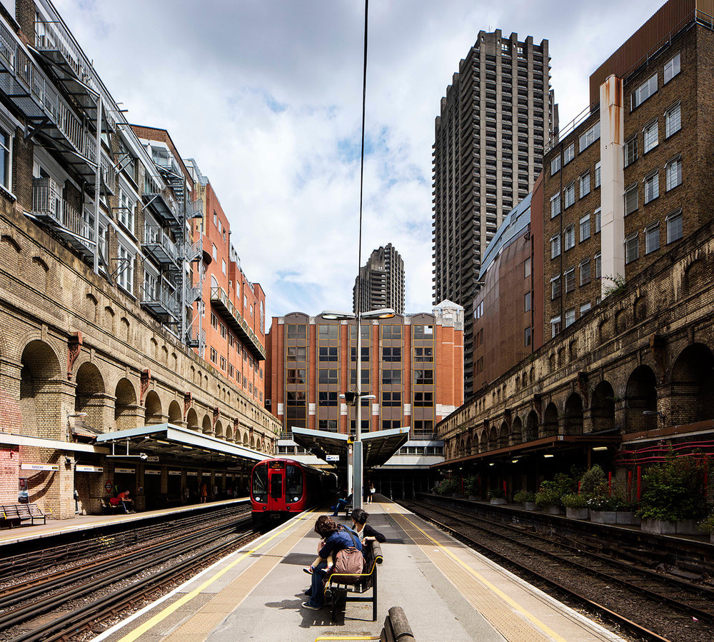 BARBICAN / HAMMERSMITH & CITY, METROPOLITAN AND CIRCLE LINES