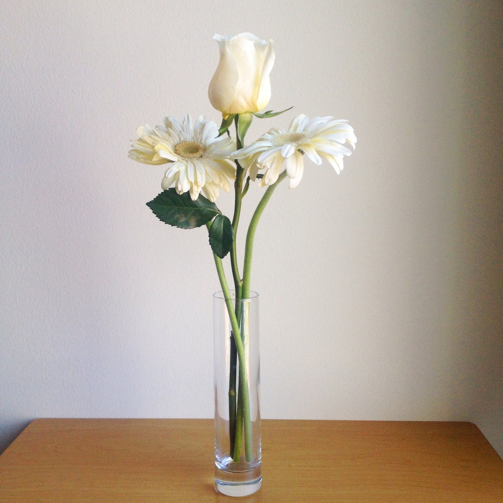 Top ten simple stylish floral arrangements a serene space these long stems need a tall vase reviewsmspy
