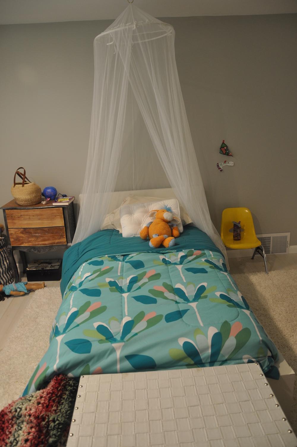 The eldest daughter's bedroom...