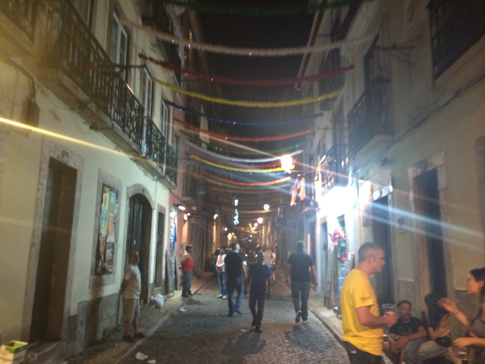 Okay, so not the prettiest picture, but it's the only one I got of Bairro Alto... fail.