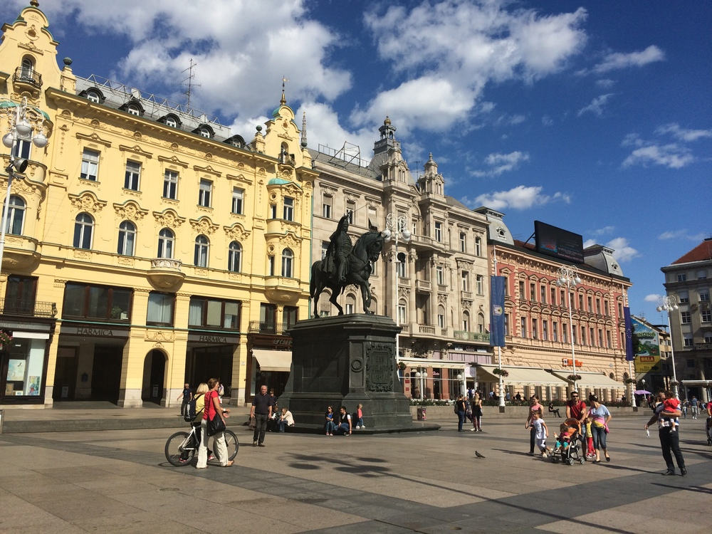 Ban Josip Jelačić Square in the heart of Zagreb. What a perfect day!