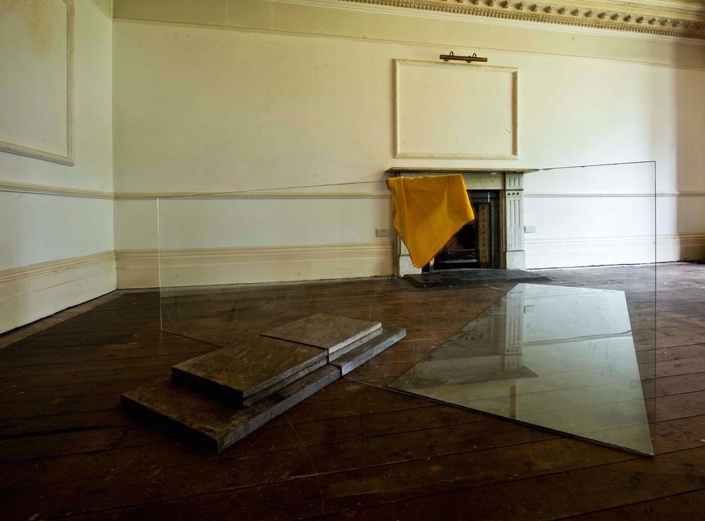 Idem Per Idem Glass, concrete, cloth Variable 2014