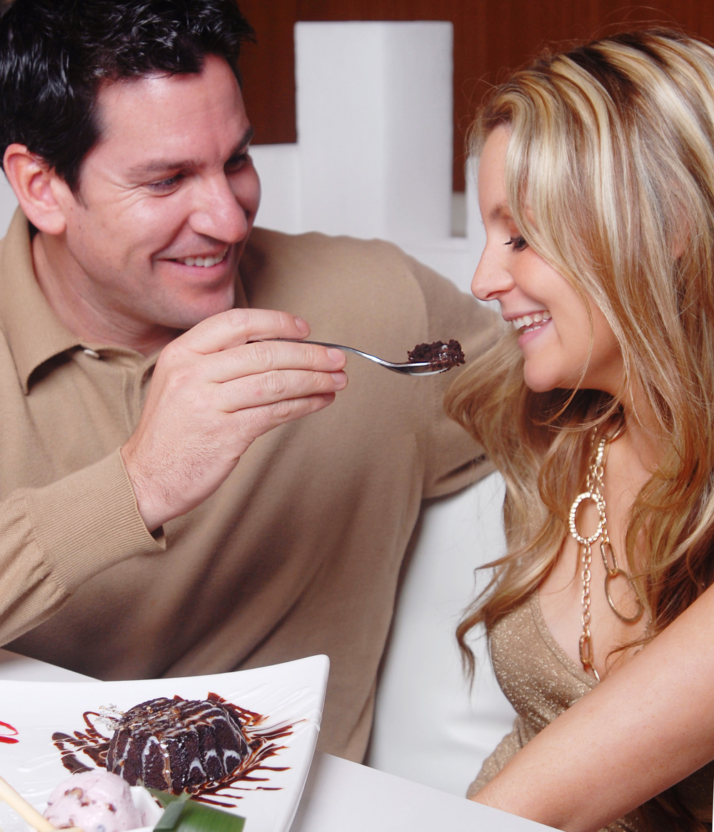 Couple - Chocolate cake.jpg