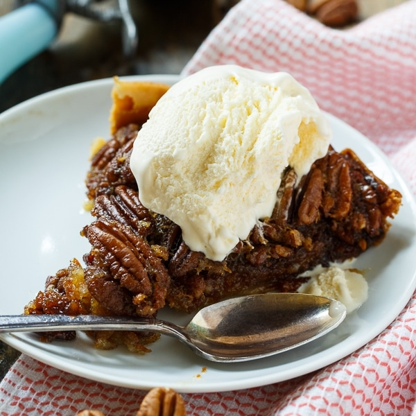 CROCK POT PECAN PIE.jpg