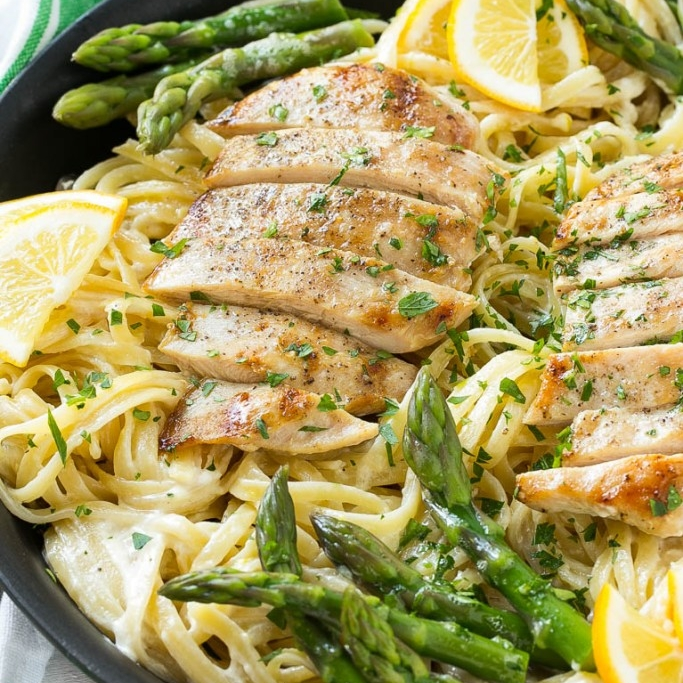 LEMON ASPARAGUS CHICKEN PASTA.jpg