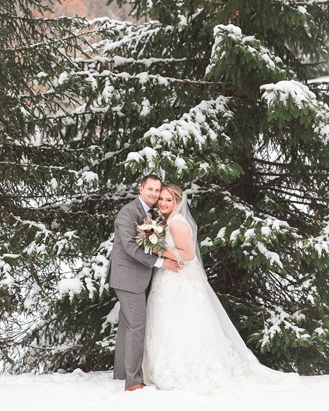 Merry Christmas and Happy Holidays to all my brides!! Here's a sneak peek of my latest winter wedding with Kaitlyn & Daryl! The snow was so gorgeous and was perfect for their wedding @holidayvalley !! Congratulations and I can't wait for you guys to see the finished product soon! . . . . . . . #weddingphotography #585wedding #holidayvalley #wedding #bridal #Ellicottville #winterwedding #christmas #merrychristmas #happyholidays  #couples #photographer #canon #marriage #weddingphoto #love