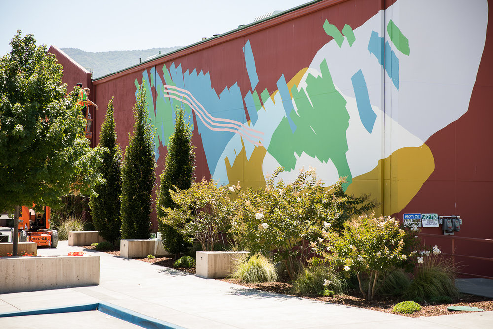 Heather Day's mural at Provenance at Vineyards