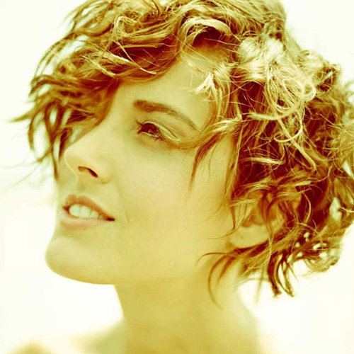 Learn to maximize natural texture to create buoyant, resilient curl patterns that are fabulous and full.
