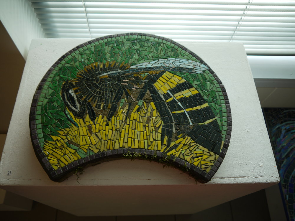 Bee stepping stone mosaic