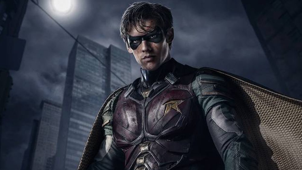 badass-new-photo-of-robin-from-titans-and-all-the-dc-universe-details-revealed-social.jpg
