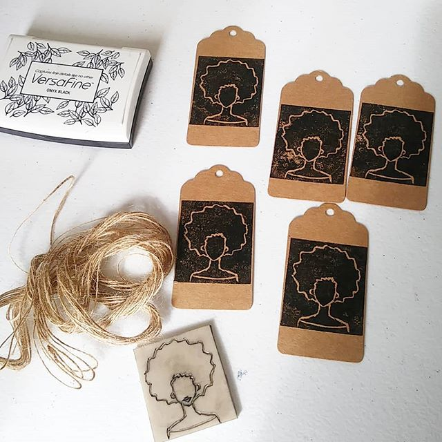I'm making some lino print gift tags today for an Etsy customer 😊  #lino #linoprint #gift #gifttags #afro #africanamericanart #illustration #africanamerican #representationmatters #afroart #afrocaribbean #afrocentric #blackart #availableonetsy #naturaltwine #naturalstring #kraft #kraftcard #krafttags