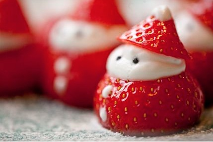 http://www.kidsveggiefood.com/vegetarian-recipes/christmas-recipes/strawberry-santa/