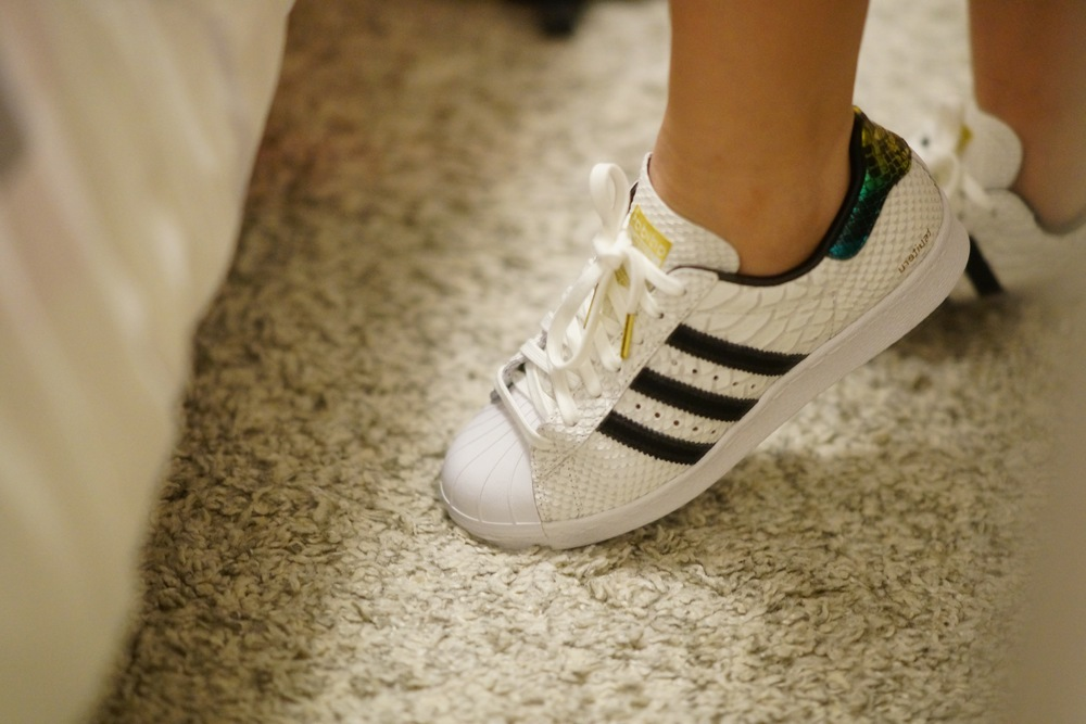 official photos 3829e f151f 100% Honest Review  Toddler Adidas Superstar I and Women s Adidas MI ...