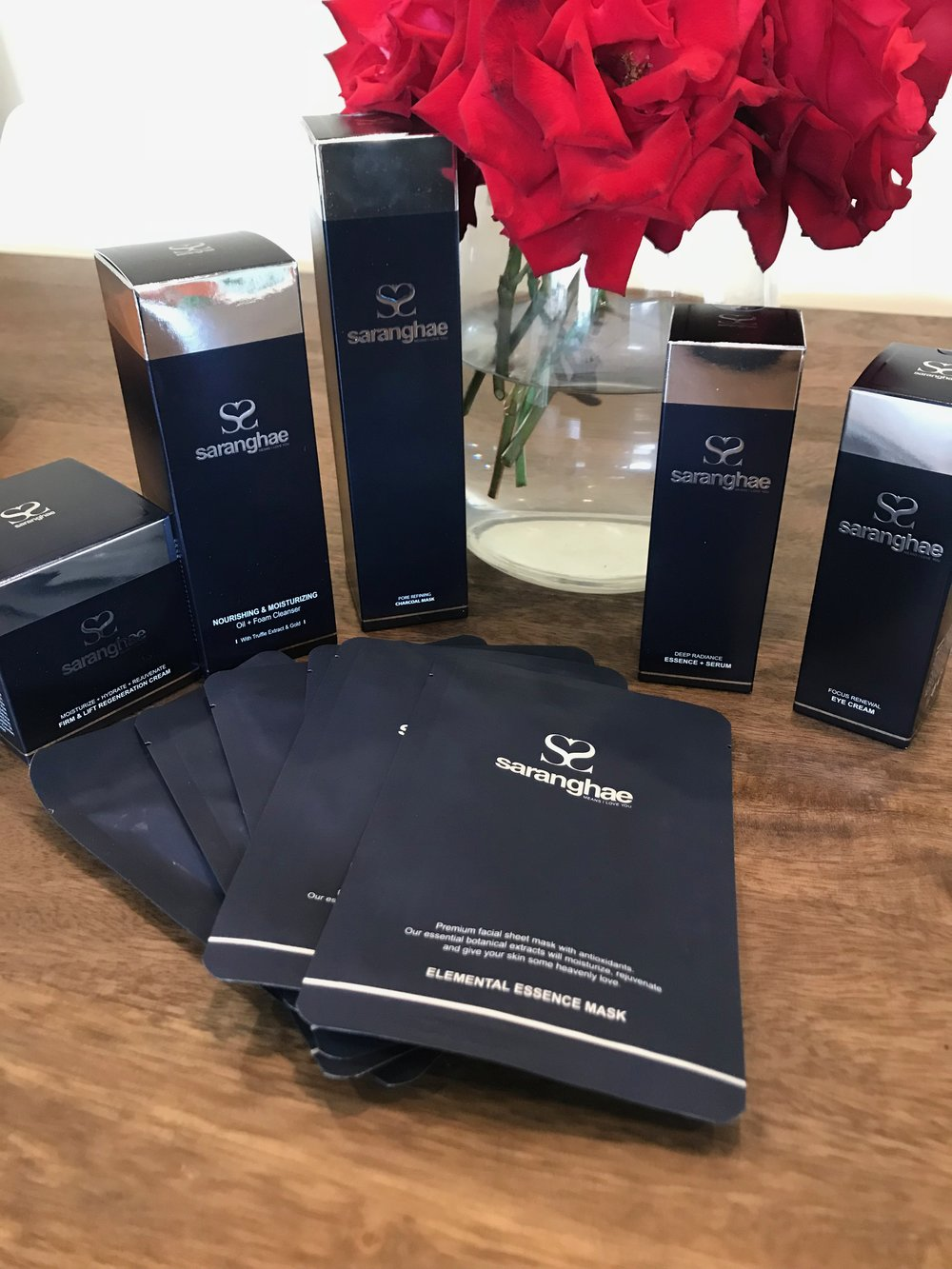 So excited to unbox my Saranghae 5 Step Anti-Aging System and Pore Refining mask.Want to shop for some Saranghae?  Visit http://lovesarangehae.com !