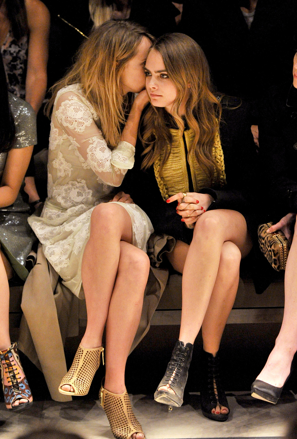 Suki-Waterhouse-and-Cara-Delevingne-on-the-front-row-at-the-Burberry-_London-In-Los-Angeles_-event.jpg