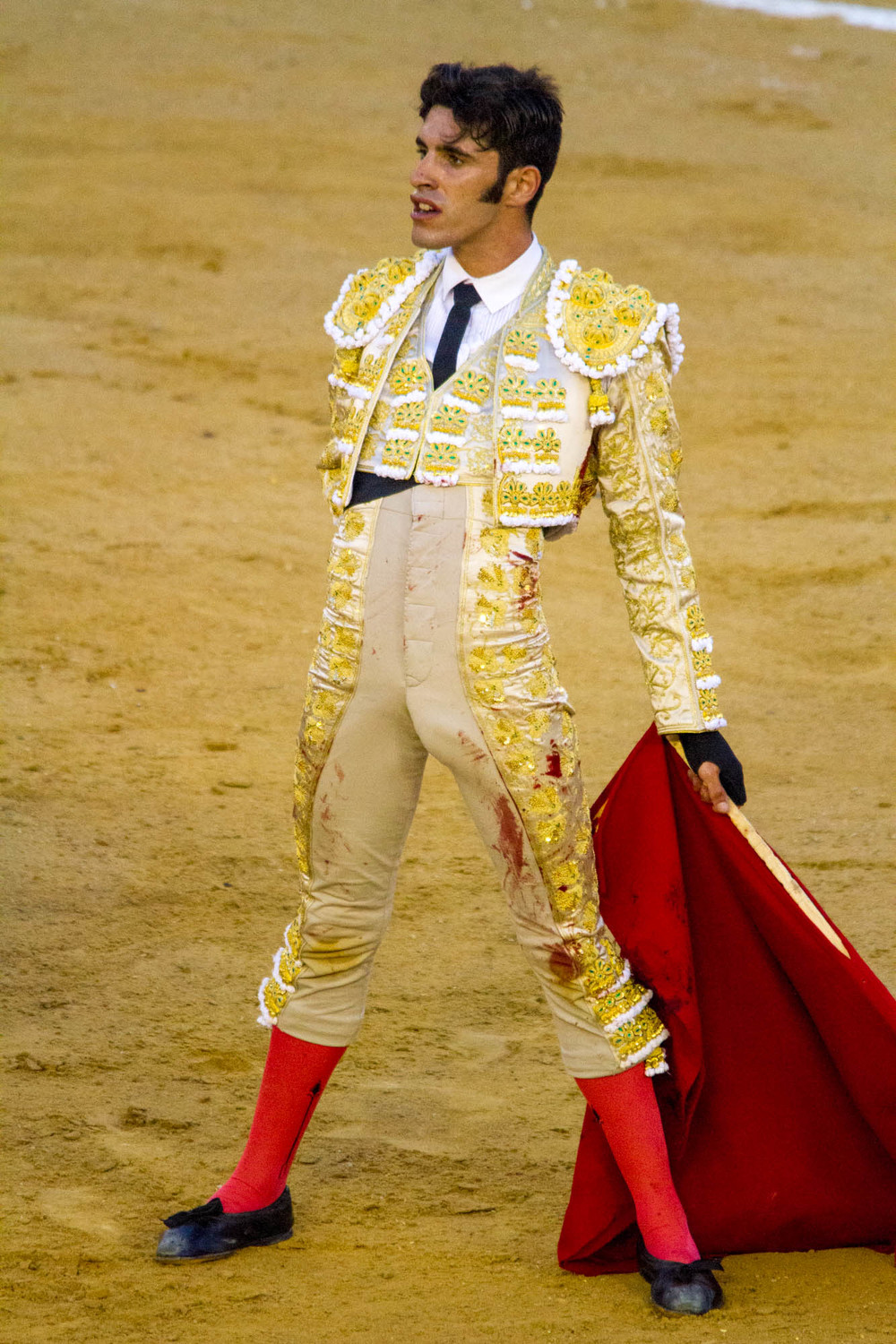 This was the best Matador of the night. Stunning the crowd.
