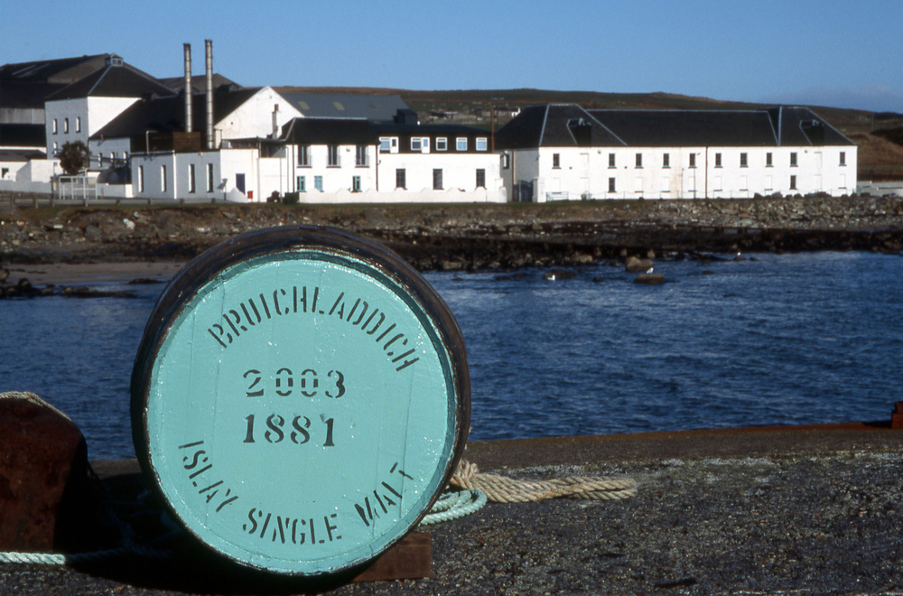 bruichladdich-distillery-islay-single-malt-whisky.jpg