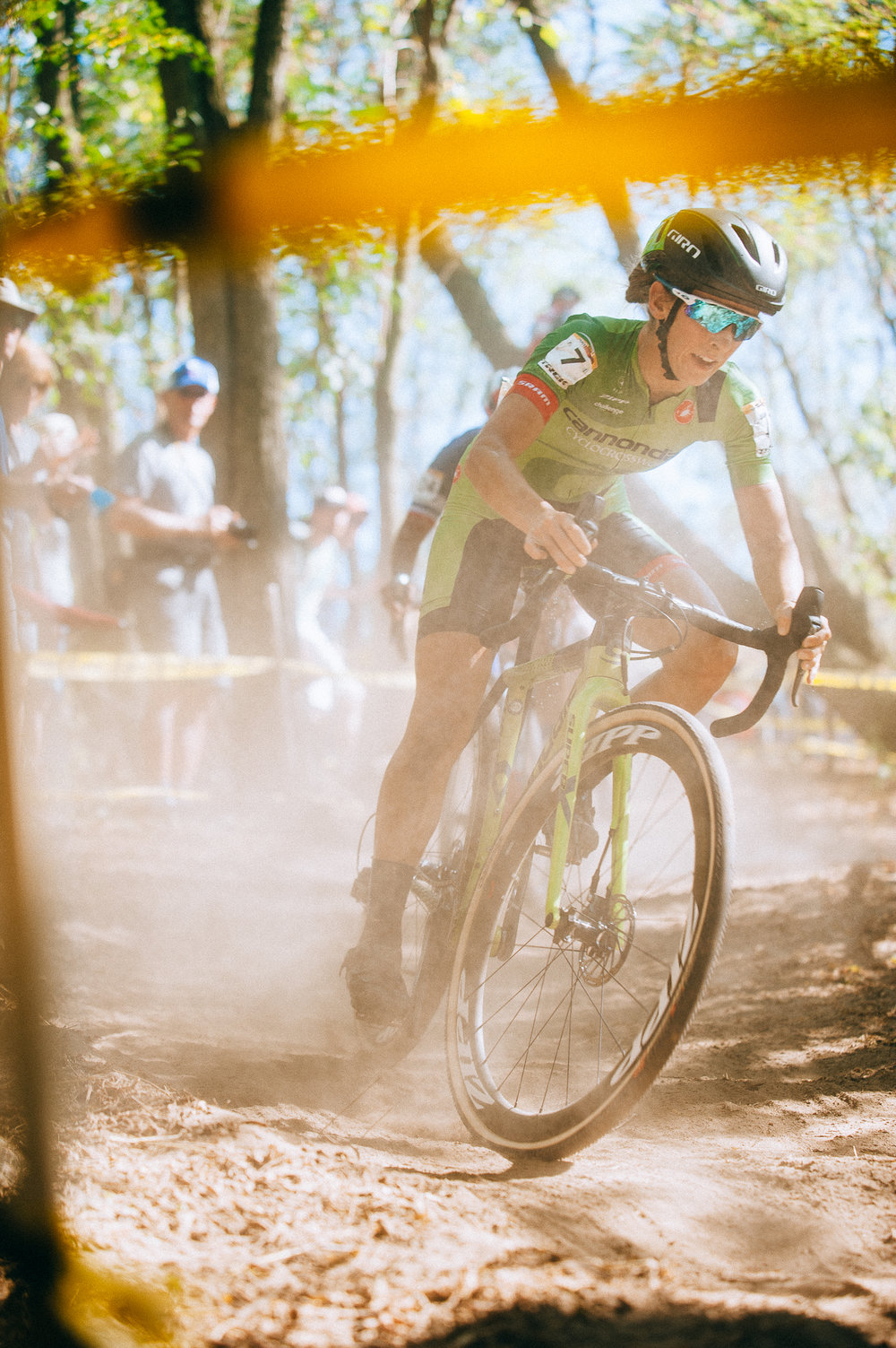 Kaitie Keough blasts down a dusty decent on the first lap of the Waterloo World Cup
