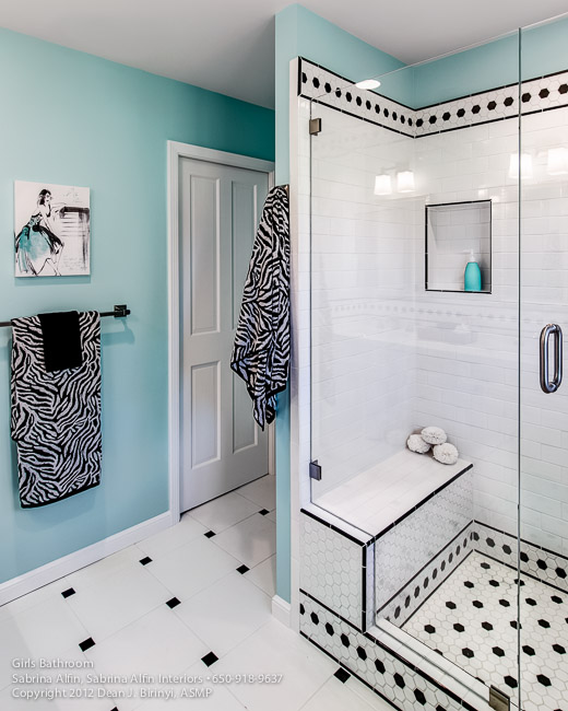 Girls Bathroom for Sabrina Alfin of Sabrina Alfin Interiors