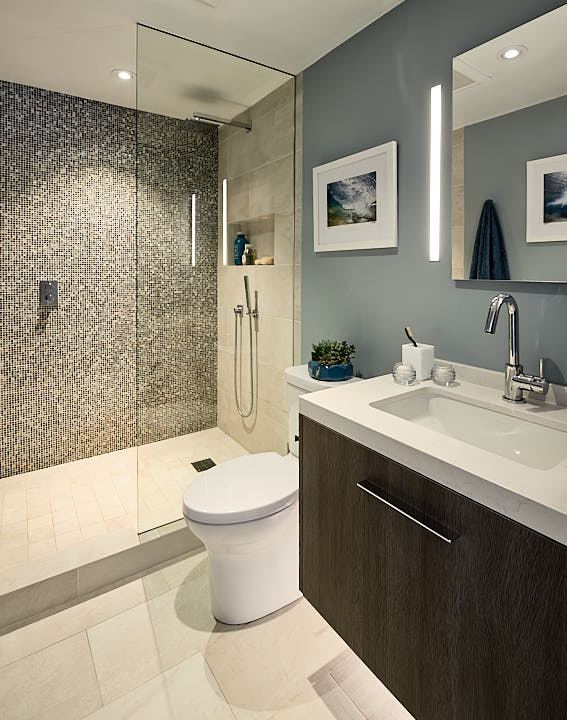 Unretouched bathroom in the College Hill neighborhood of San Francisco, CA by Dean Birinyi, interior photographer