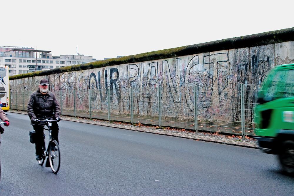 berlin wall 2 100.jpg