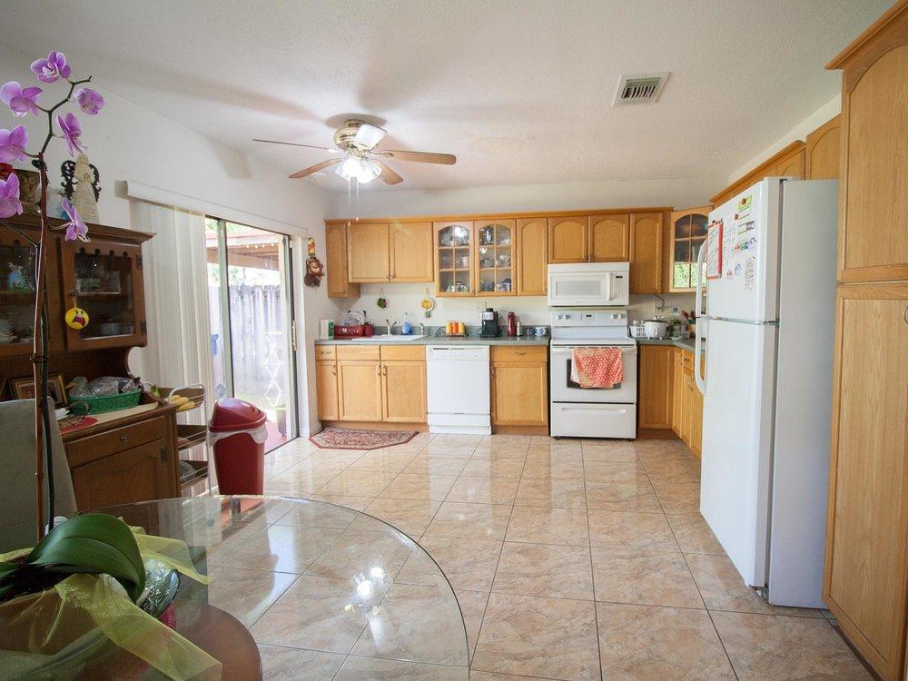 06_Kitchen.jpg
