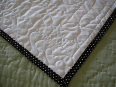 BLACK QUILT BINDING EXAMPLE