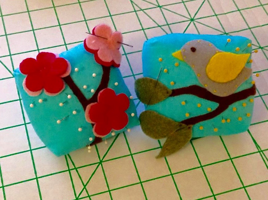 Practice hand and machine sewing - Pincushions with felt applique