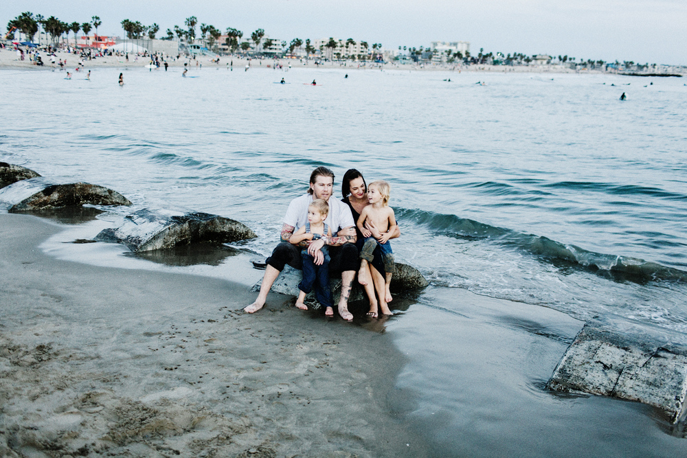 023-family-portrait--mattandtish--venice-beach.jpg