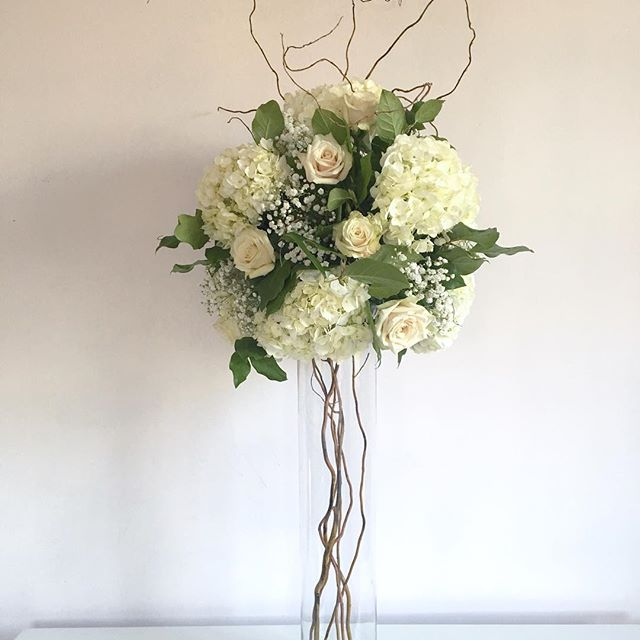 Evelisa Floral & Design: Tall centerpiece